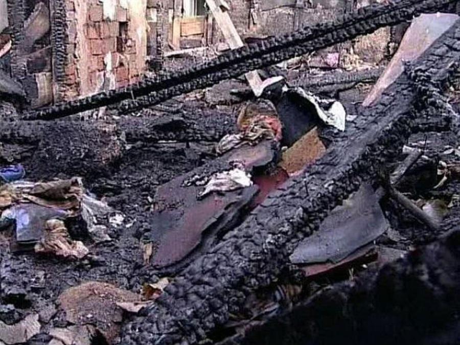 На пепелище в Хамонтово обнаружили погибшего