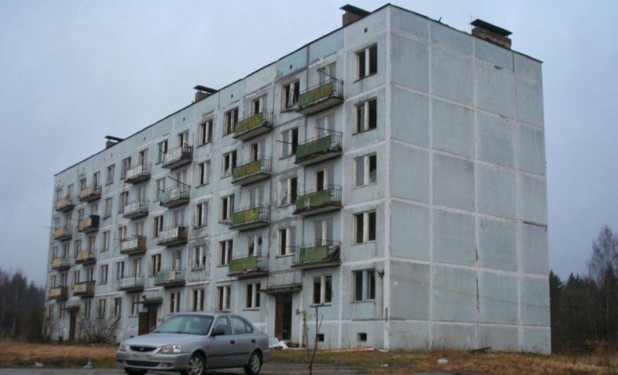 18-летний из Кисельни умер после падения с пятого этажа