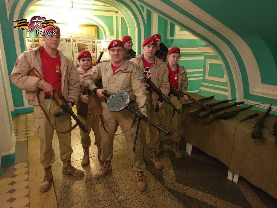 Волховские юнармейцы посетили торжественное собрание в Доме офицеров Западного Военного Округа