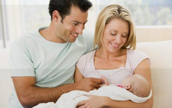 Область готова платить 5 тысяч рублей ежемесячно семьям, где родится первенец