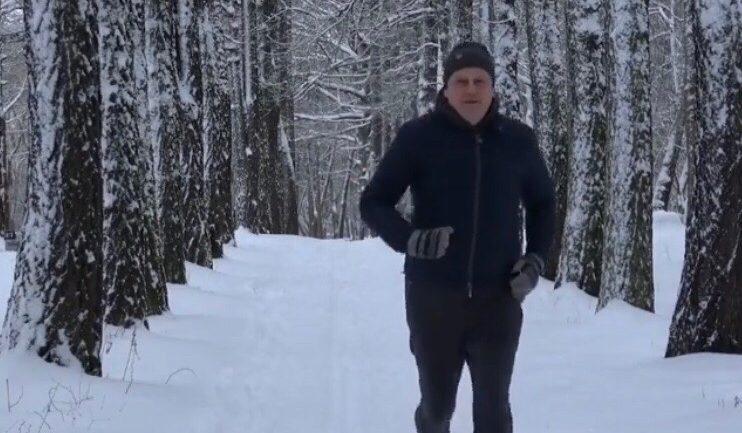 Дрозденко анонсировал марафон ЗОЖ и сам вышел на пробежку
