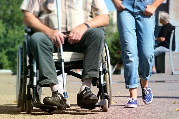 Власти Ленобласти придумали, как деликатно сэкономить на инвалидах