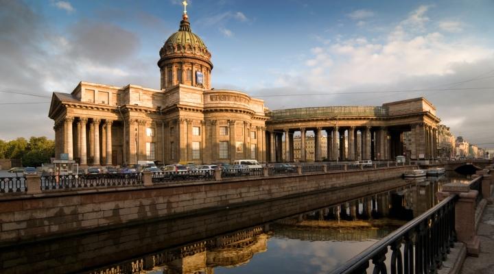 Санкт-Петербург входит в первую тройку самых популярных туристических направлений России в 2019 году