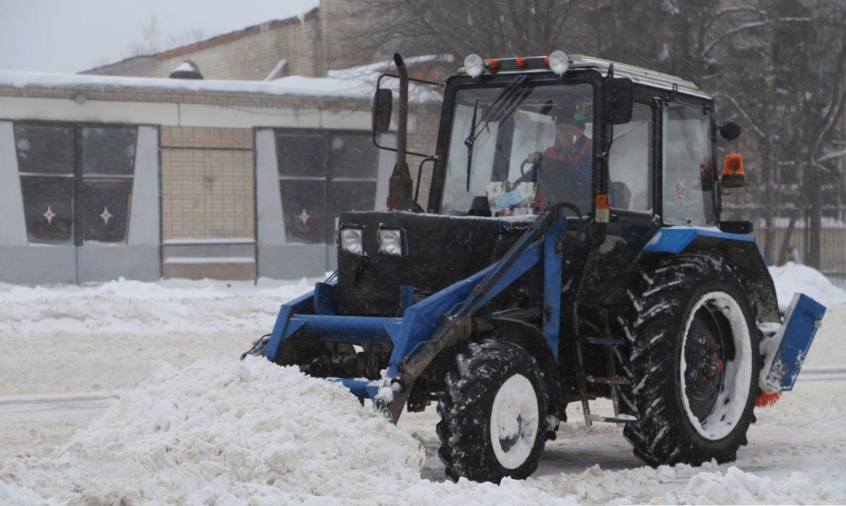 За неубранный снег штрафовать теперь будут не только коммунальщиков