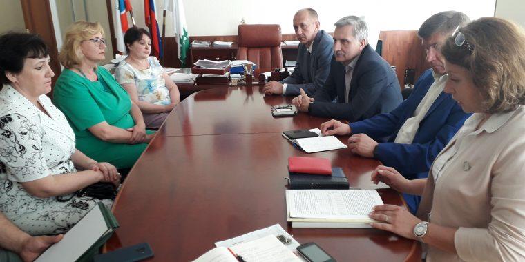 Информация в СМИ об объединении Новоладожских школ