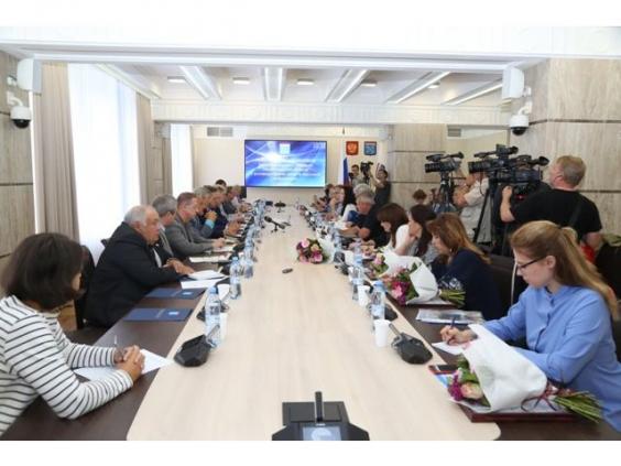 Депутаты и журналисты обсудили важные вопросы