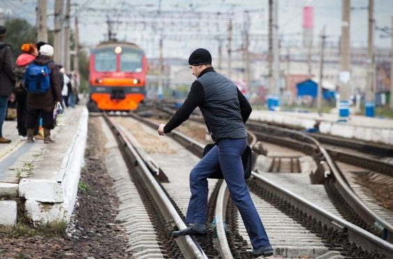 Наблюдается рост количества случаев травмирования граждан в зоне движения поездов