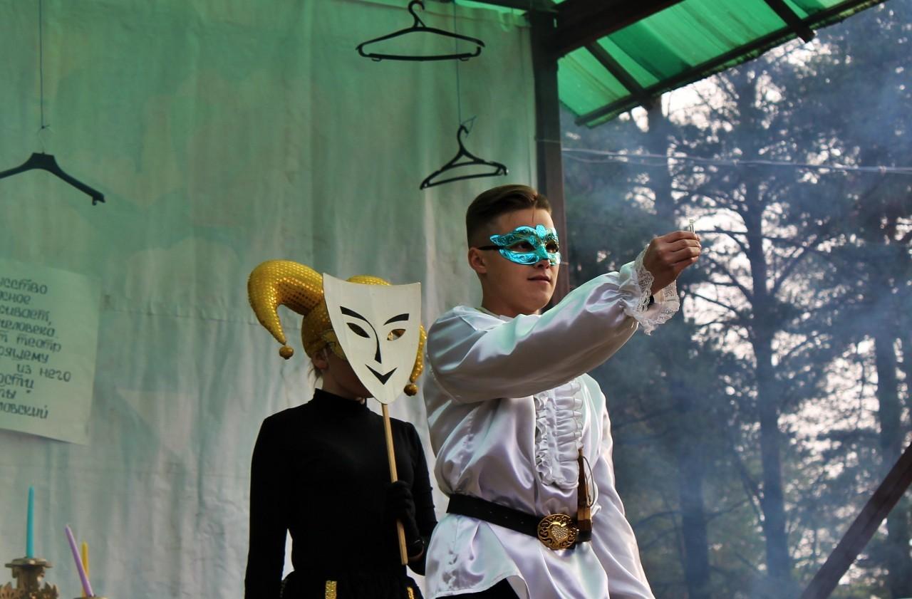 Акция к Году театра прошла в Сясьстрое