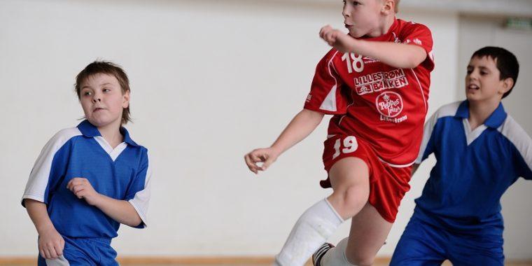 Детская мини-футбольная лига стартует в Волхове!