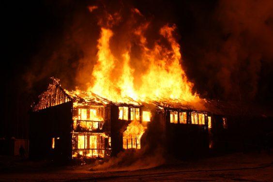 Спасательная операция во время пожара в Волхове прошла успешно