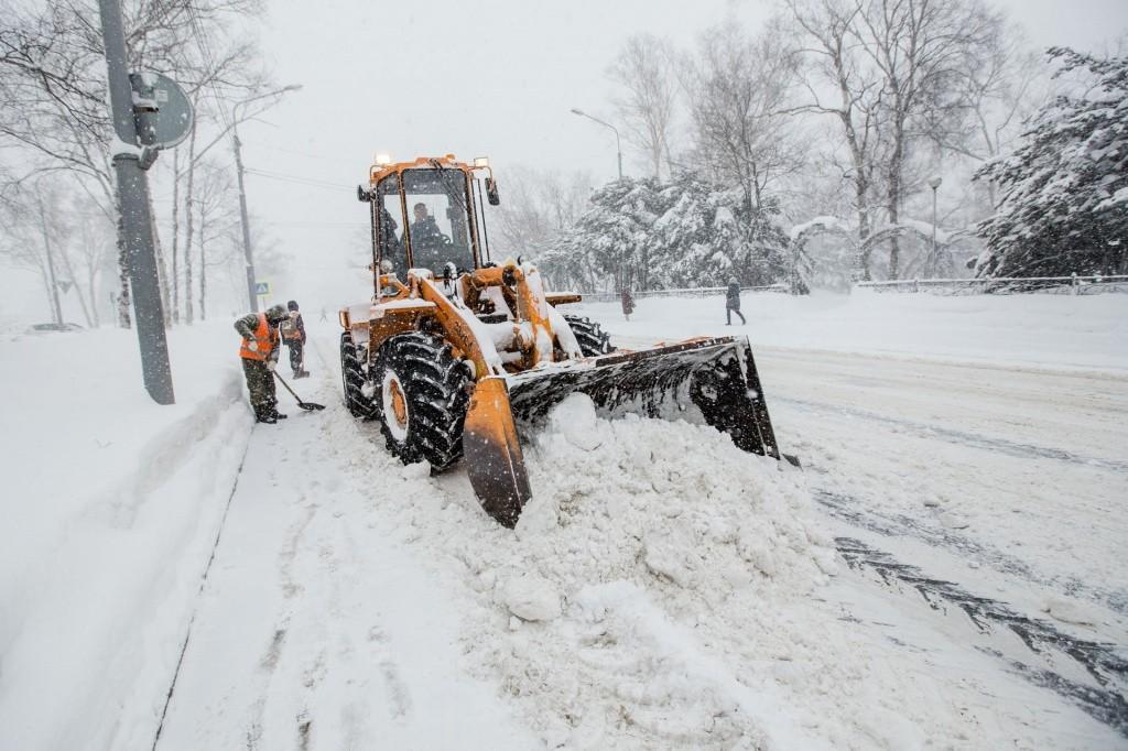Борьба со снегом началась. Звоните