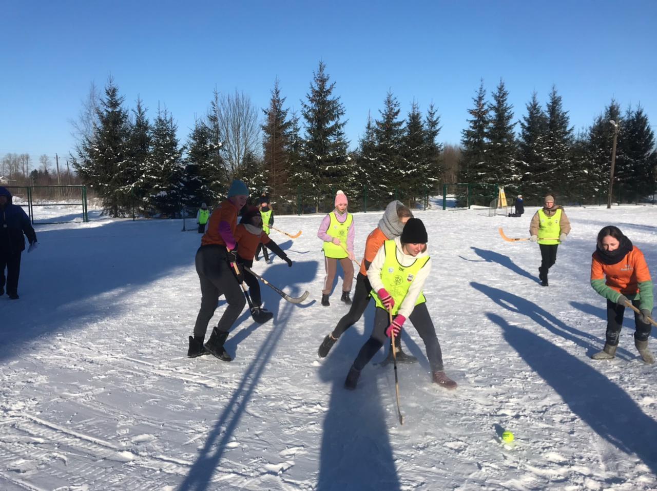 Школьники Волхова - лучшие в хоккее на снегу