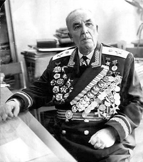 В Волхове увековечат память об Иване Федюнинском и Василии Лановом