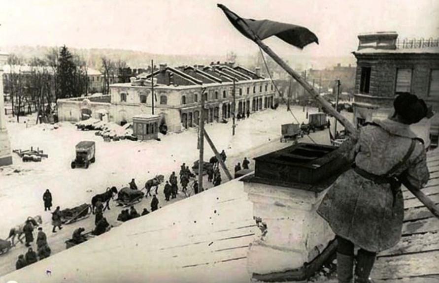 Луга отмечает 77-ю годовщину освобождения от немецко-фашистских захватчиков