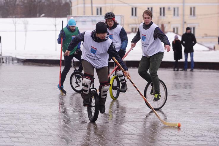 Современный инвентарь ленинградским спортсменам