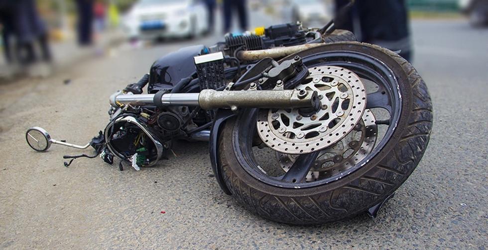 Мотоциклист без прав погиб в аварии