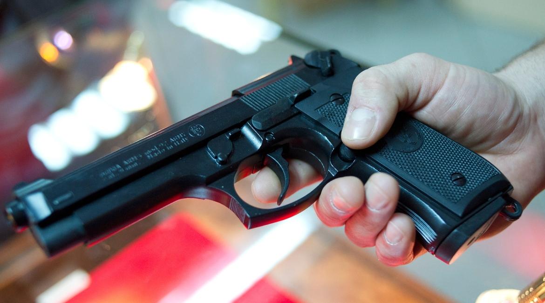 Пенсионер из Волхова угрожал соседу убийством