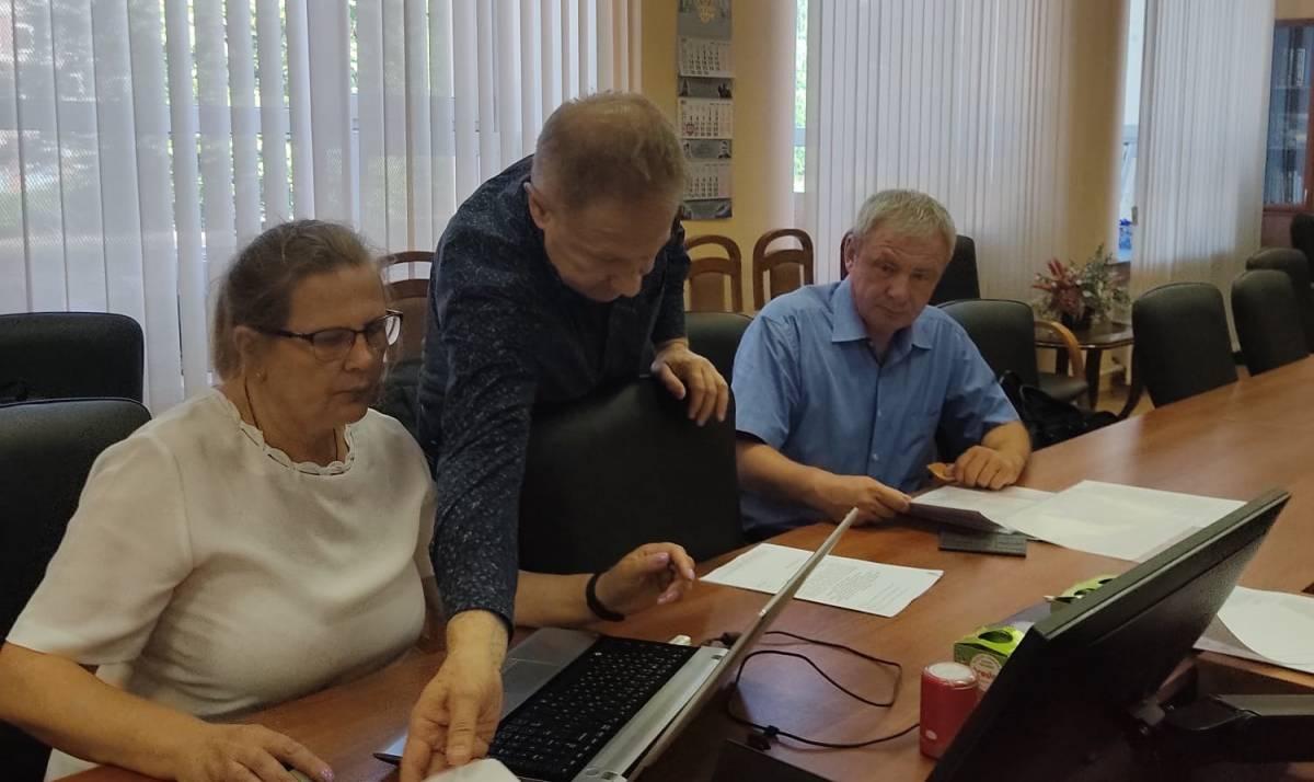 Сергей Петров подал документы для регистрации кандидатом на выборы в Госдуму