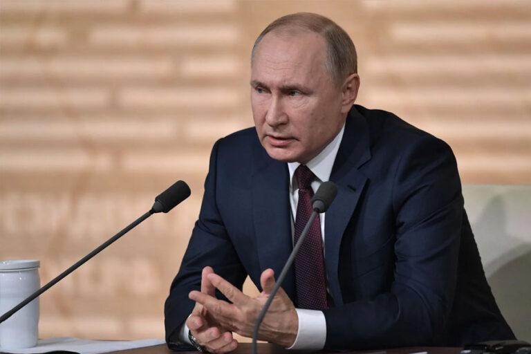 Президент РФ круглосуточно занимается пожарами и подтоплениями по всей России и глубоко погружен во все детали