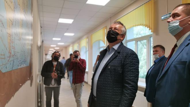 Губернатор Ленобласти посетил школу в Большой Ижоре