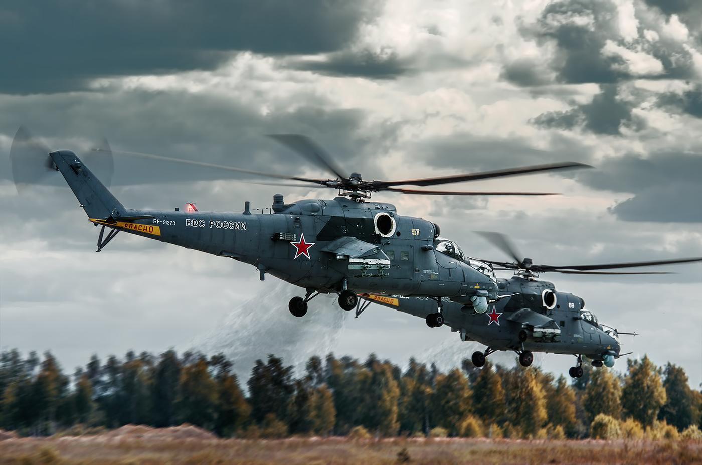 Вертолеты обеспечивают прикрытие и разведку