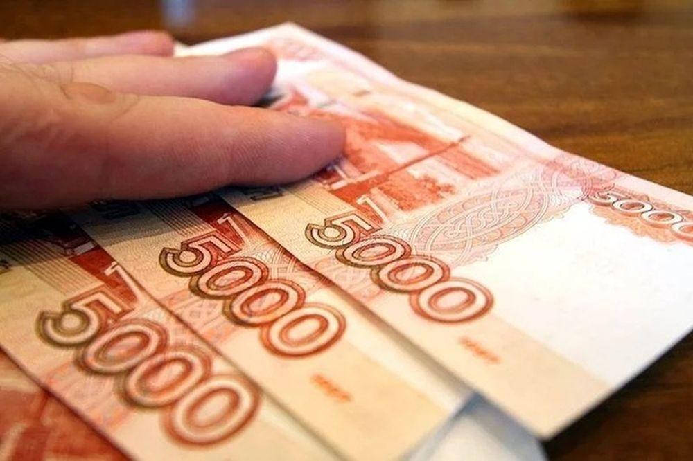 Прокуроры, пожарные и военные получат по 15 тысяч рублей