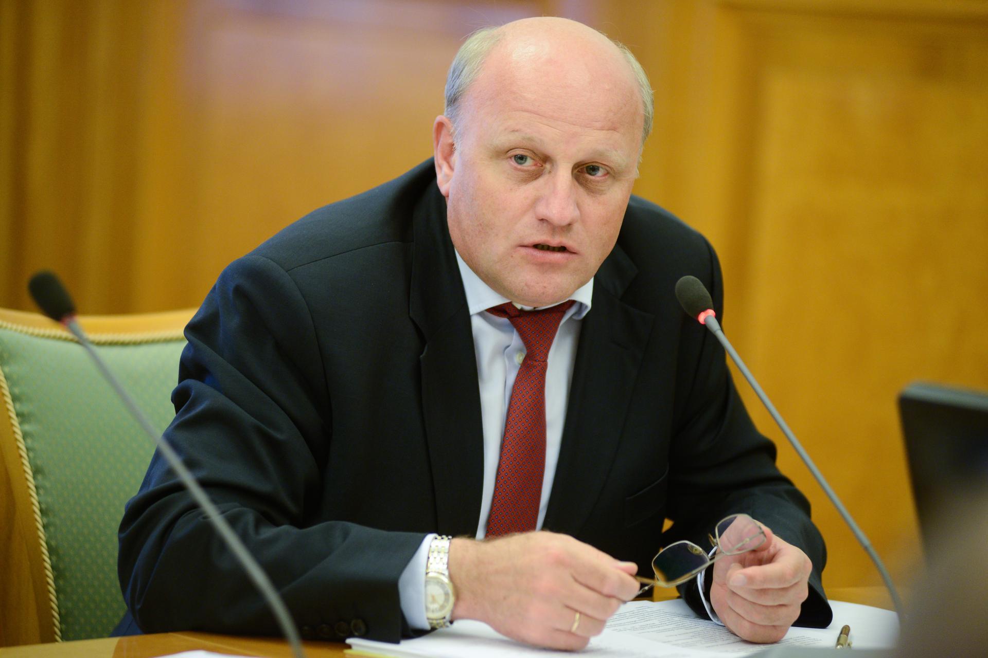 Николай Емельянов: короткой строкой