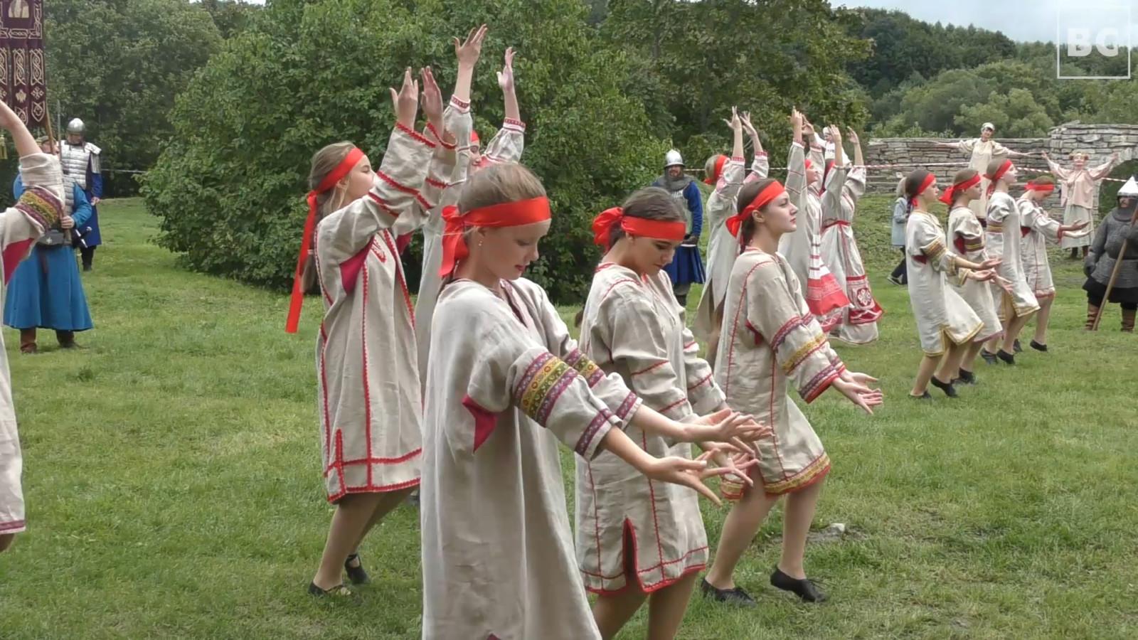 День Государственного флага в Старой Ладоге