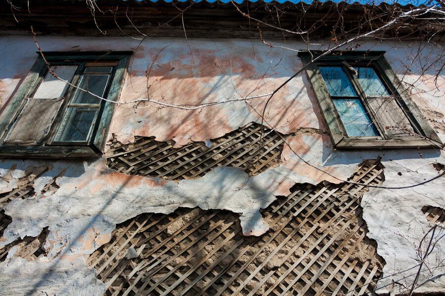 В Волховском районе расселят аварийный дом