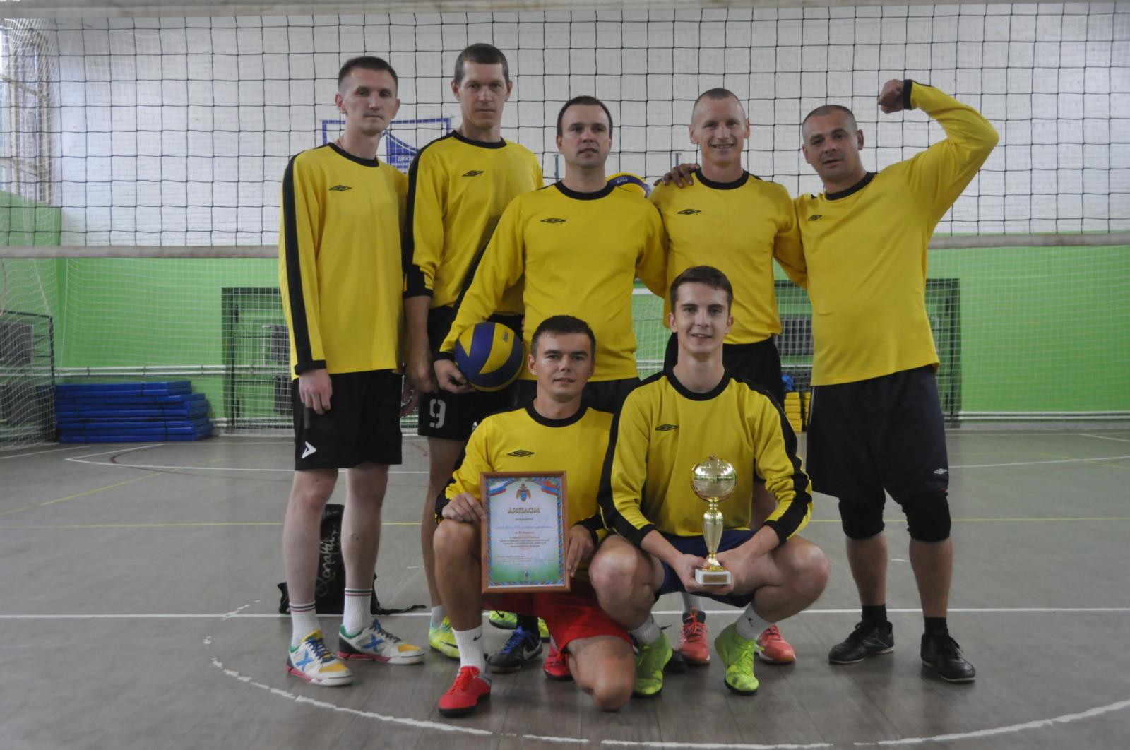 Волховчане выиграли серебро по волейболу