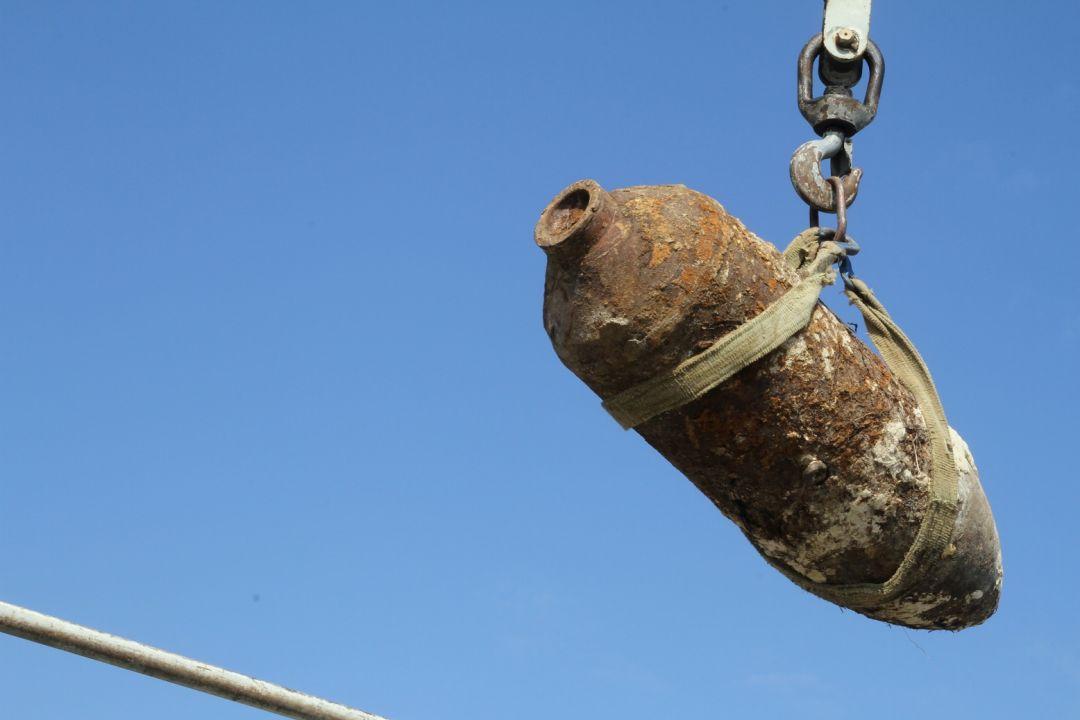 В Волхове обнаружили снаряд массой 250 килограммов