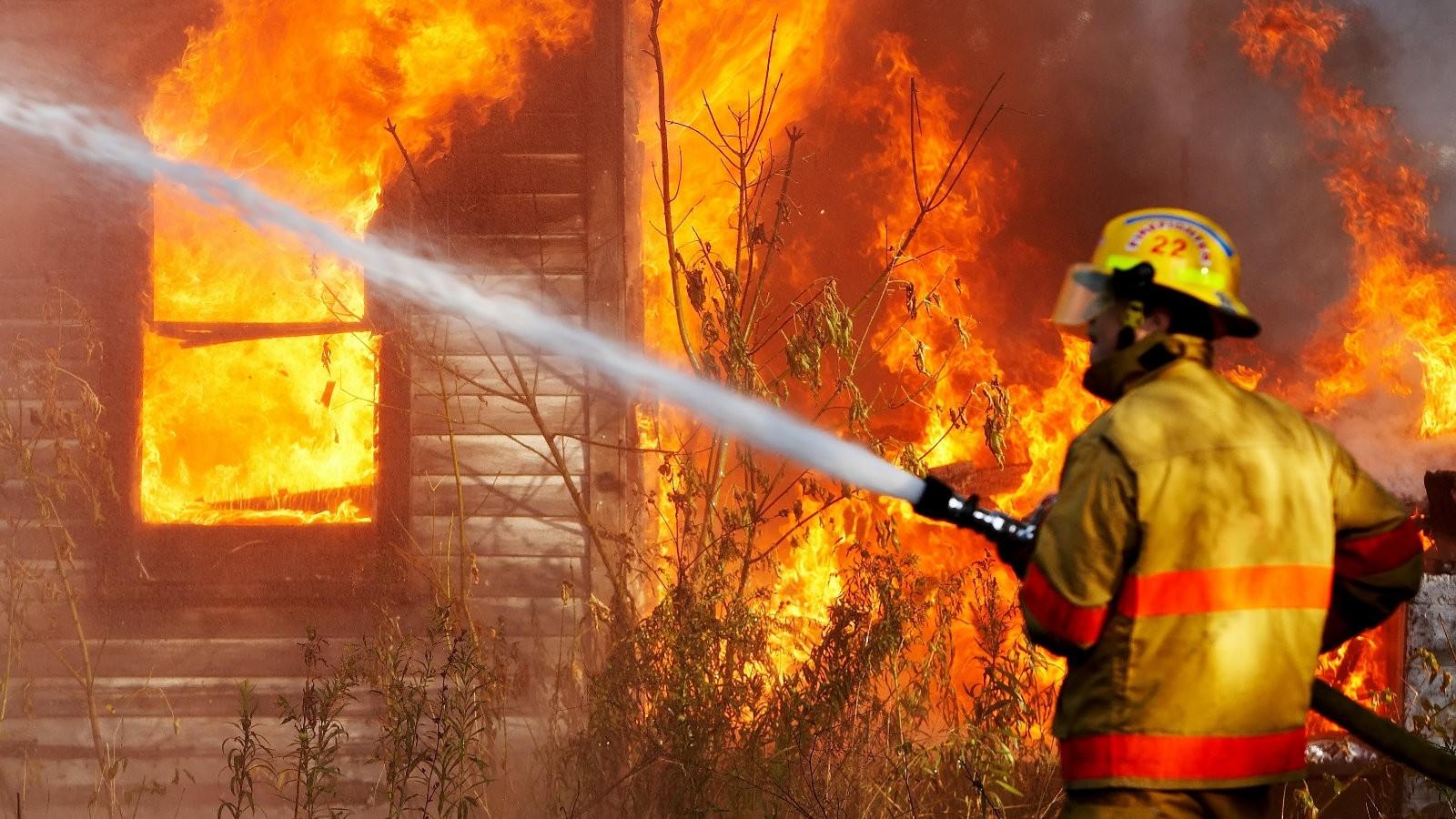 В Лодейном поле горел частный дом. Есть погибший