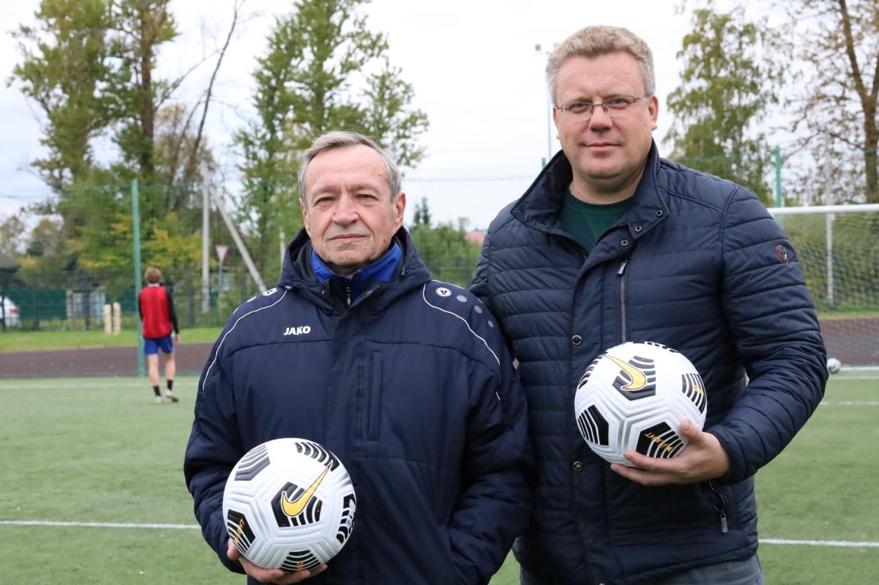 Долгожданные мячи для ФСЦ «Волхов»