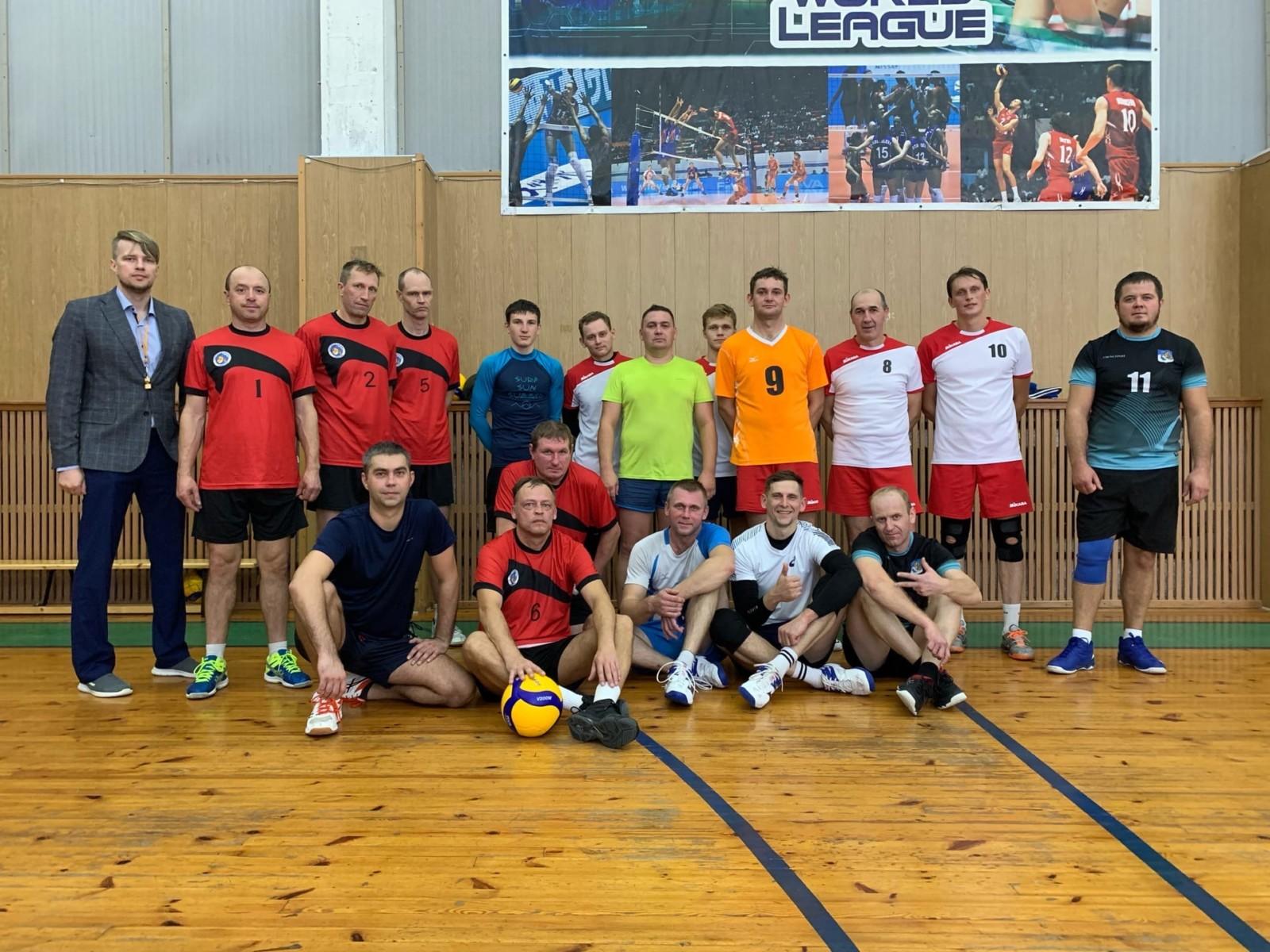 Сясьстройские волейболисты готовятся к областным соревнованиям