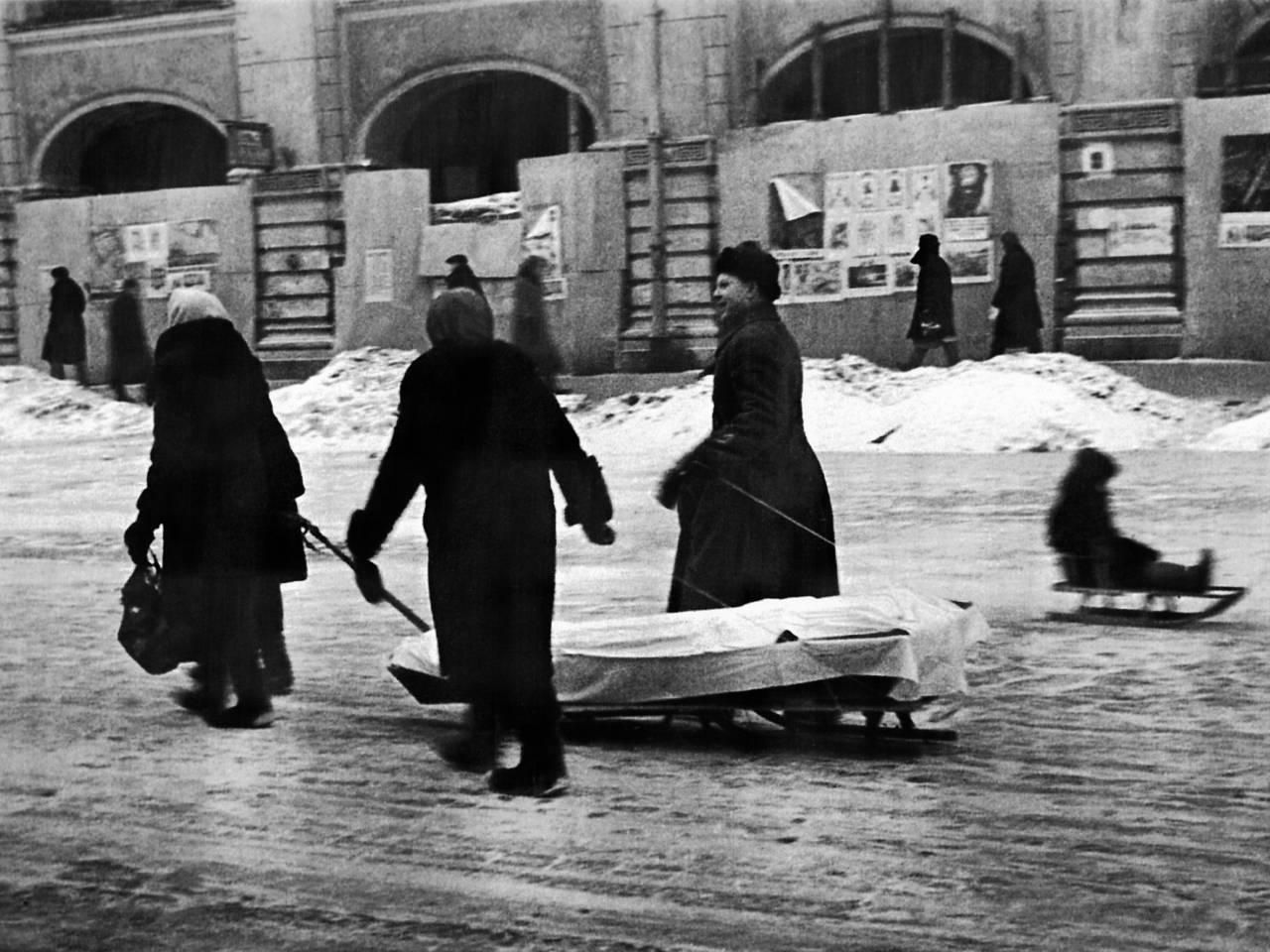 Жители блокадного Ленинграда получат по 50 тысяч рублей