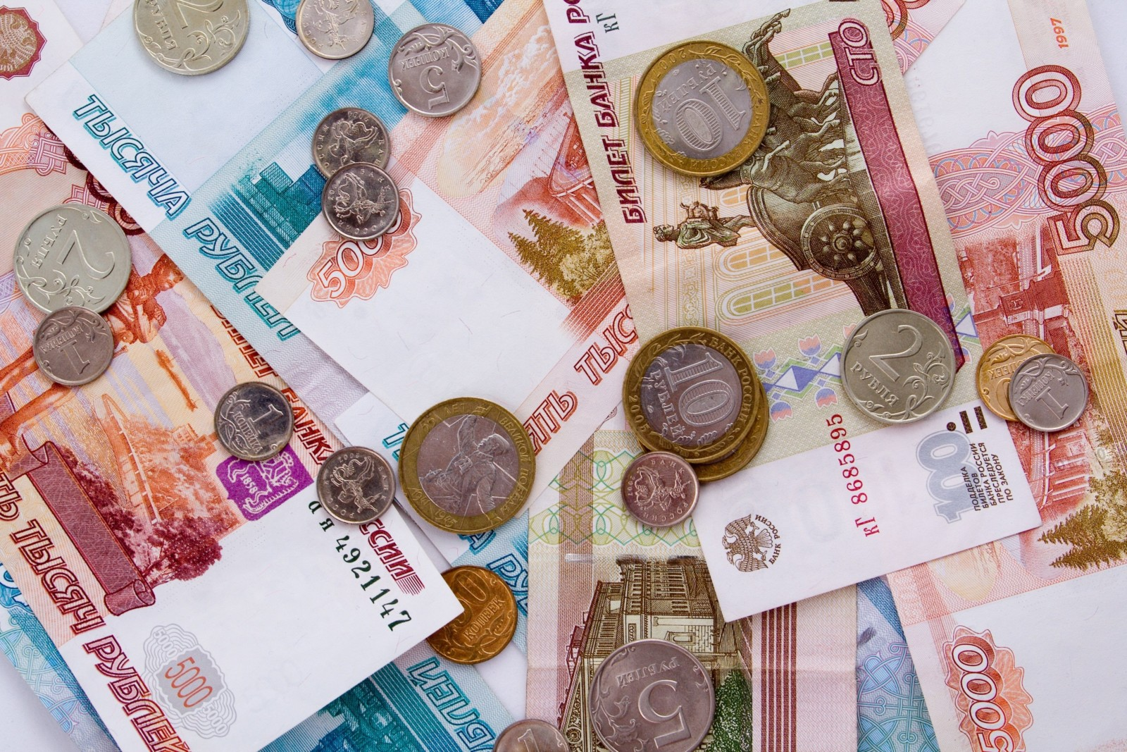 Выплаты на детей в России повысятся