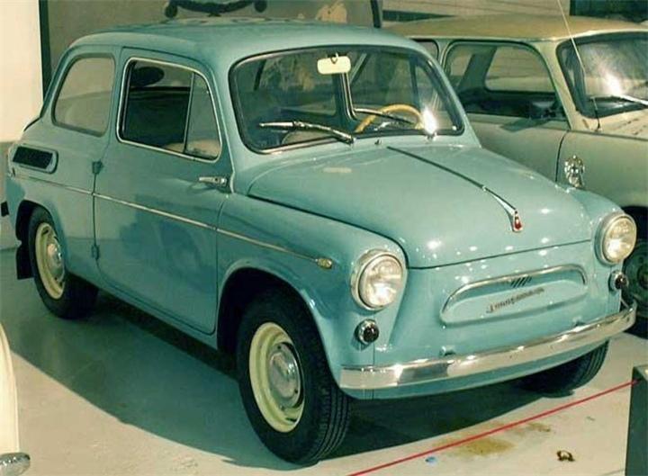 1 октября 1960 года с конвейера сошёл первый «Запорожец»